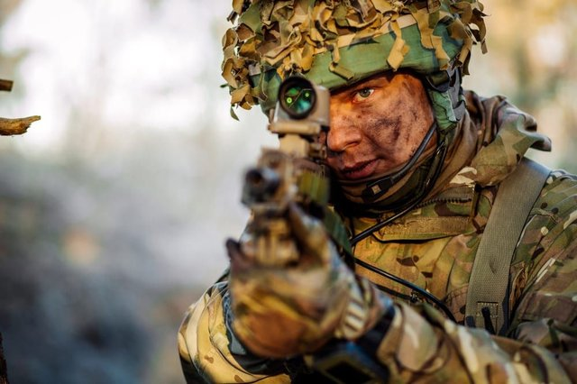 Army to be cut by 10,000 soldiers - but experts fear it could leave UK vulnerable (Photo: Shutterstock)