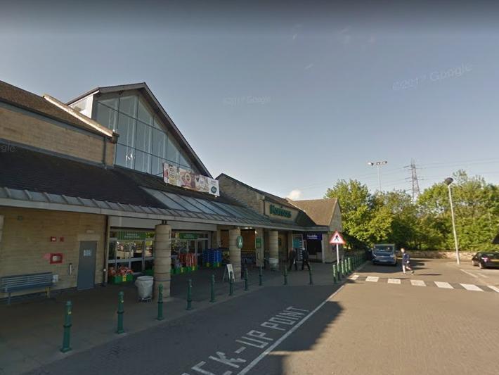 Leeds handbag robbery victim was left 'scared, upset and worried'
