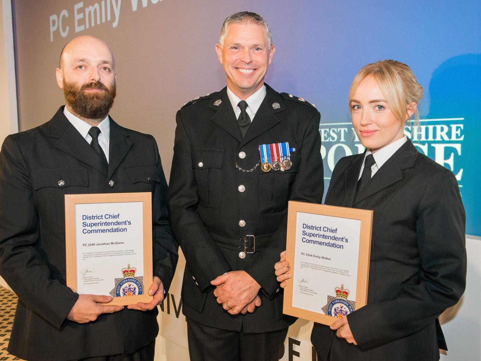 """Police officers from Leeds honoured for going """"beyond the call of duty"""""""