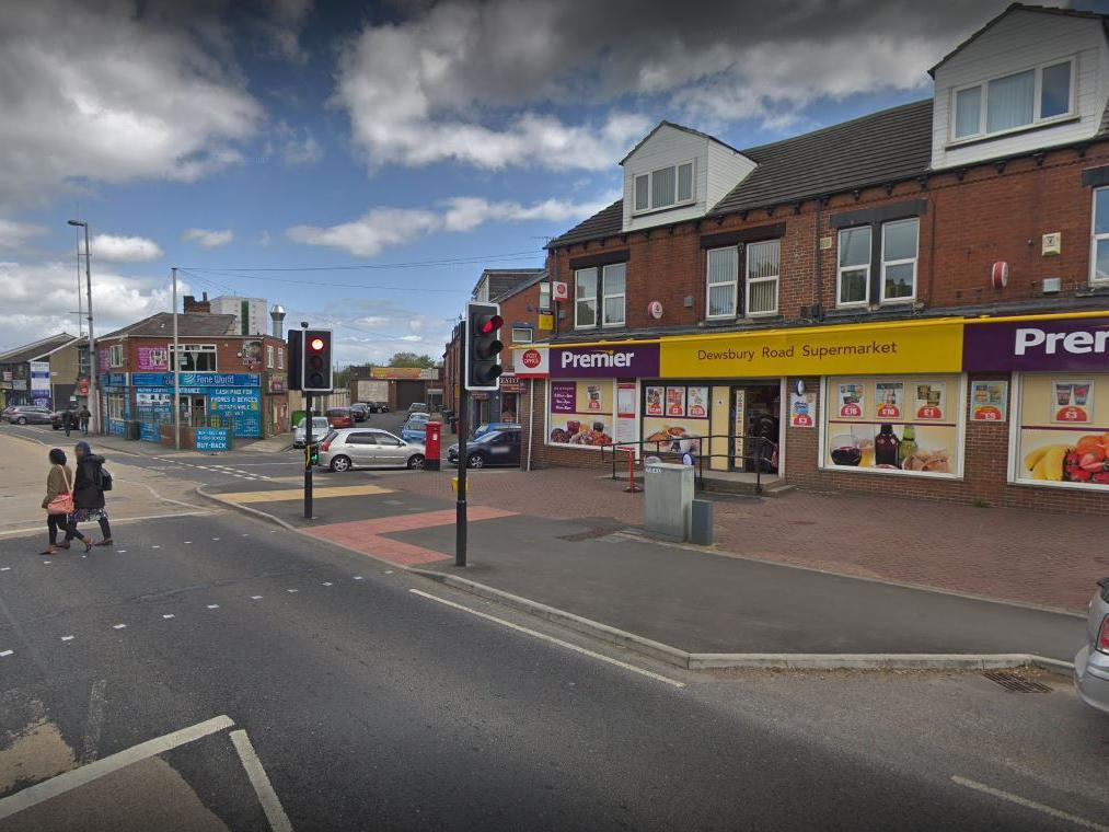 Man rushed to hospital after stabbing in south Leeds