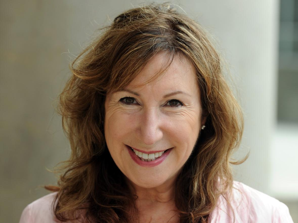 New series of The Syndicate from Leeds writer Kay Mellor to return to BBC One