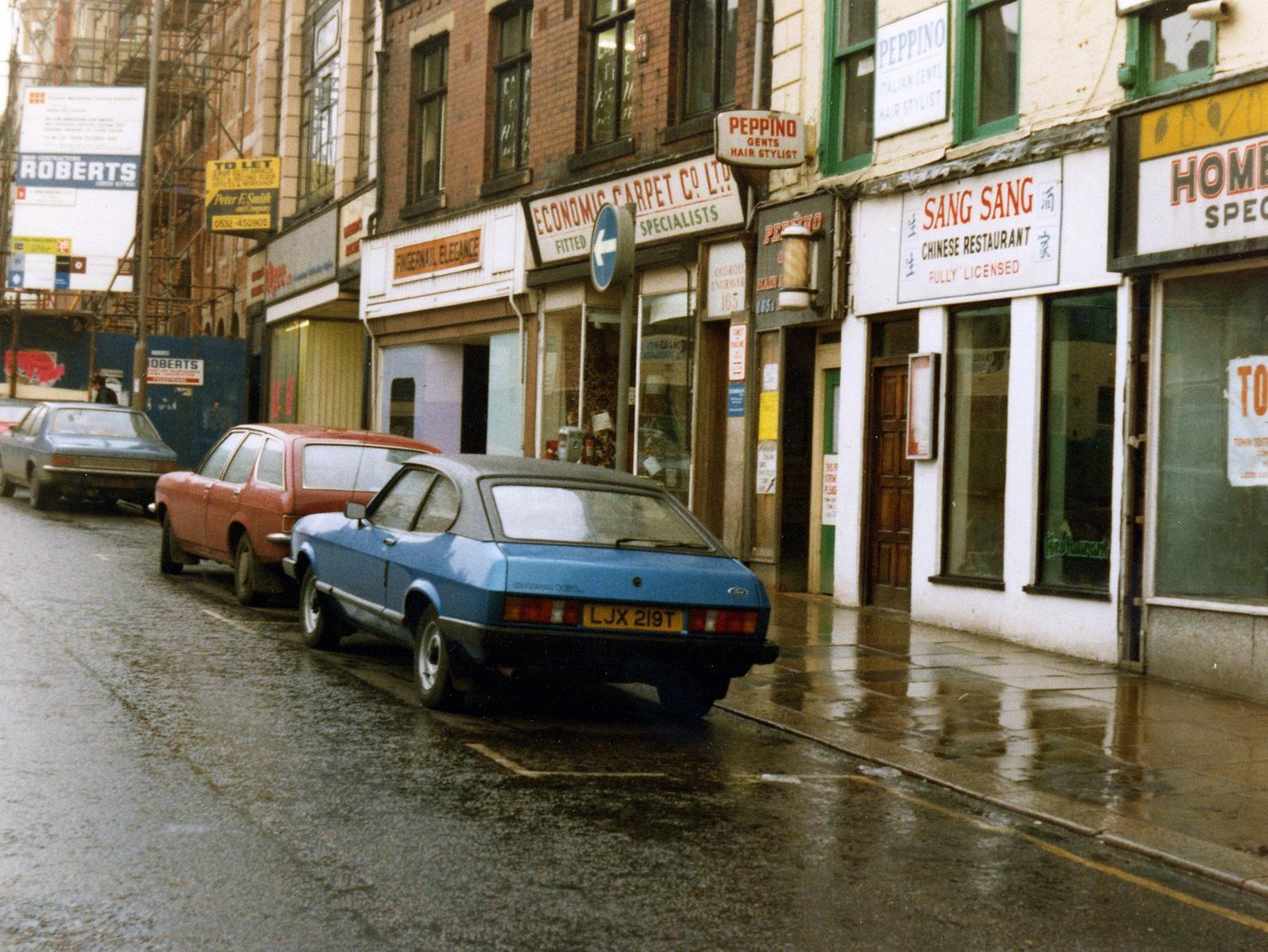 Astonishing photos show life in Leeds during the 1980s