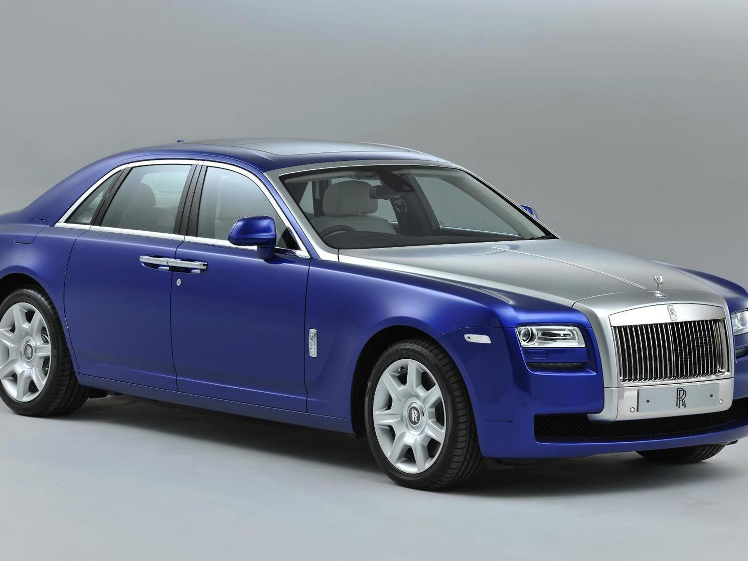 Driver of £250,000 Rolls Royce which had not had MOT for FOUR YEARS stopped by police