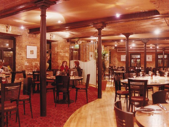 How many of these restaurants around in the 1990s do you remember?