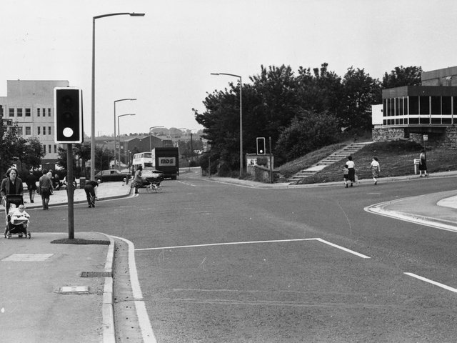 Enjoy these photo memories of Bramley in the 1980s. PIC: Leeds Libraries, www.leodis.net