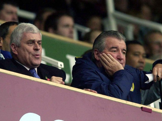 Enjoy these photo memories of Leeds United's 4-3 at Upton Park in November 2002. PIC: Varley Picture Agency