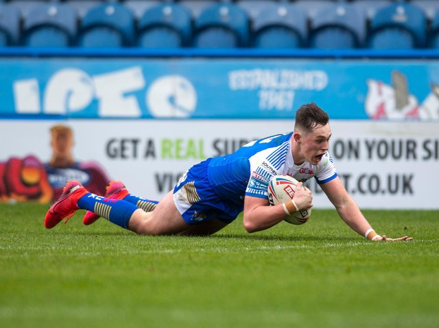 Jack Broadbent scores for Rhinos. Picture by Tony Johnson.
