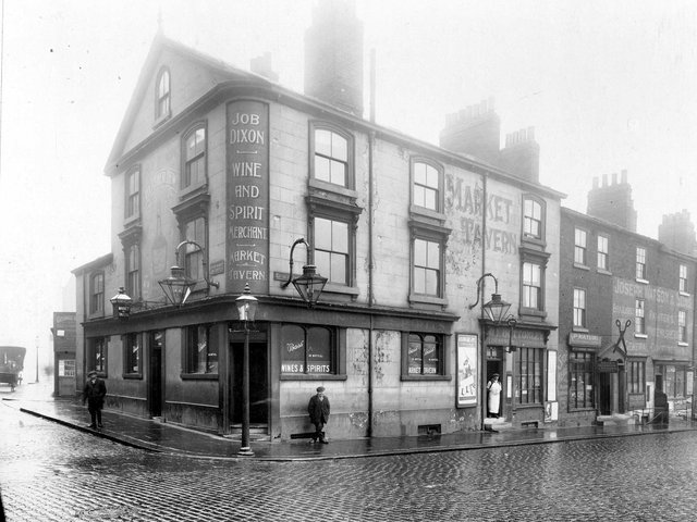 The Market Tavern in March 1914. PIC:  Leeds Libraries, www.leodis.net