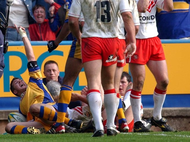 Danny McGuire touches down for Leeds in the 2003 semi-final agianst Saints. Picture by Steve Riding.