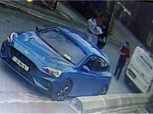 Police are trying to track down three men after cigarettes and alcohol were stolen from a Tesco on Elland Road.