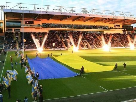 Headingley Stadium could soon have permission to host 25,000-strong wrestling and boxing events.