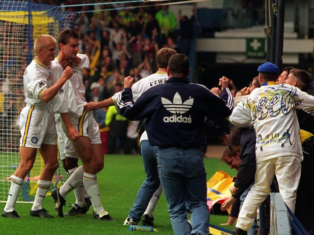 David Wetherall scores against Manchester United at Elland Road in September 1994. PIC: Bruce Rollinson