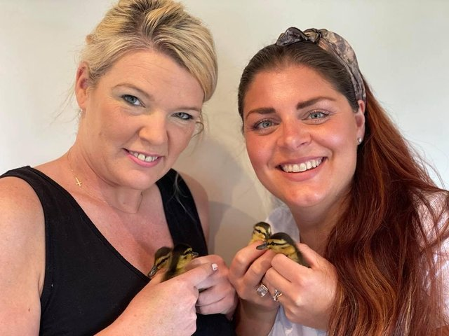 Keeley Parsons (l) with Caroline Appleby (r) and the four ducklings