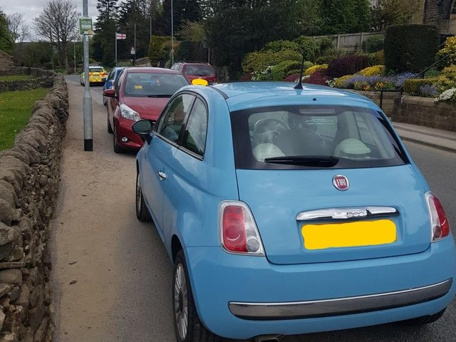 This morning, Outer North West NPT Team 1 attended a complaint regarding parked vehicles blocking the footpath on the busy road towards Hawksworth Primary School.