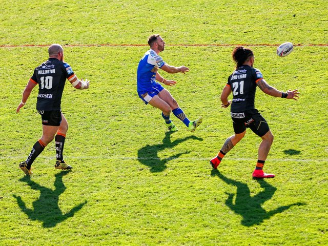 Leeds Rhinos' Luke Gale in action against Castleford Tigers (SWPIX)
