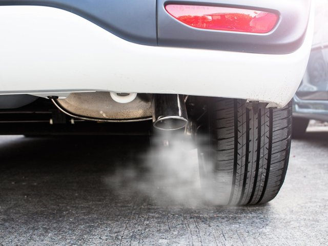 University of Leeds professor of transport calls for top 10% of most polluting new cars to be banned