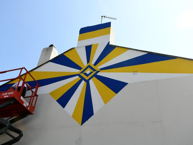 Leeds United mural underway at Pudsey Market to honour legends including Jack Charlton and Norman Hunter