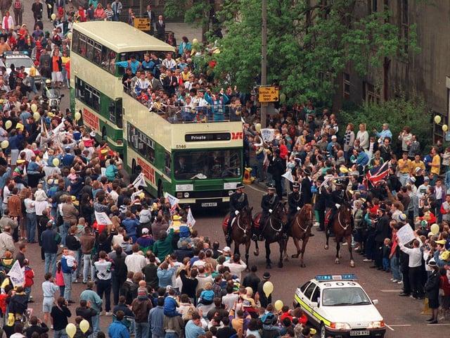 Enjoy these photo memories of Leeds in 1990.