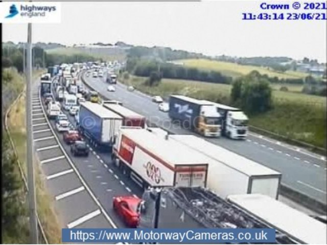 There are delays of more than 35 minutes (Photo: MotorwayCameras.co.uk)