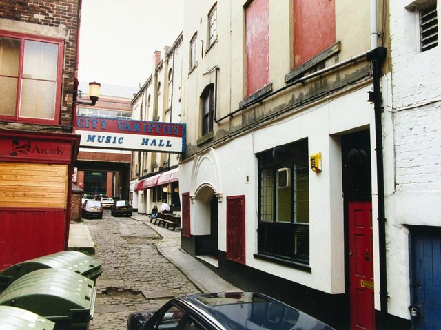 Enjoy these photo memories of Leeds in 1991.