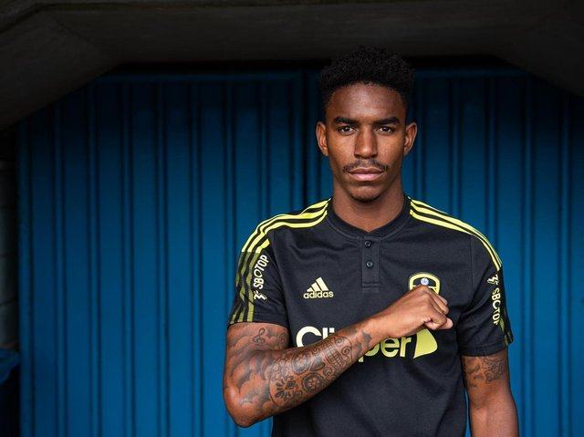 NEW FACE - Junior Firpo joined Leeds United from Barcelona today and got his first taste of Marcelo Bielsa's training regime at Thorp Arch.