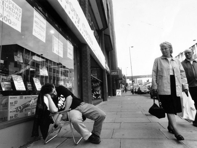 Enjoy these photo memories from around Leeds in 1993. Is it a city you remember?