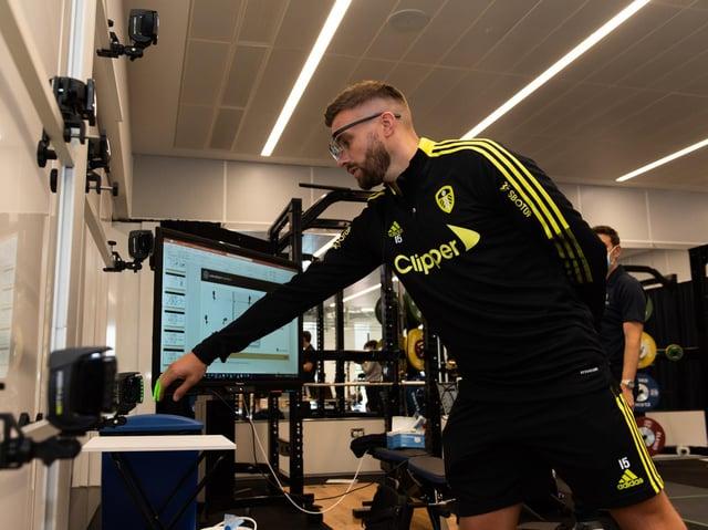 HI-TECH TESTING - Stuart Dallas had his visual processing assessed at Leeds Beckett University's Carnegie School of Sport during Leeds United's pre-season testing.