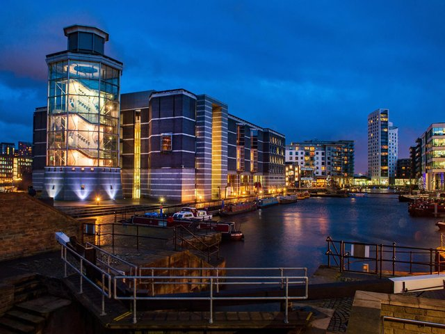 Leeds Dock has announced it will be offering open water swimming sessions this summer.