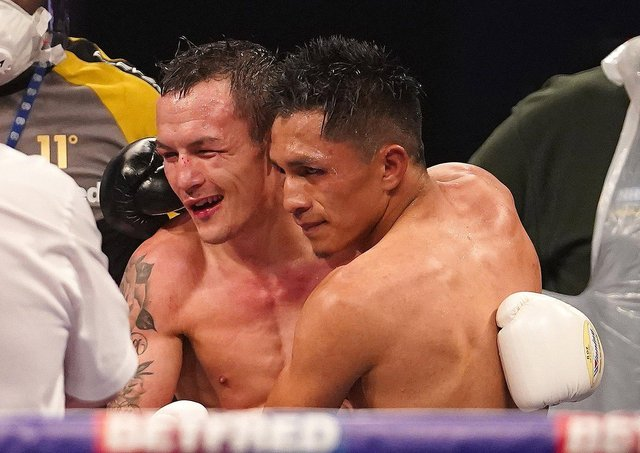 Josh Warrington lost for the first time against Mauricio Lara (Picture: Mark Robinson)