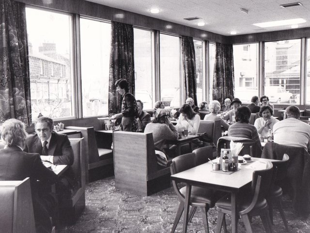 Enjoy these photo memories of Leeds restaurants in the 1980s. How many do you remember?