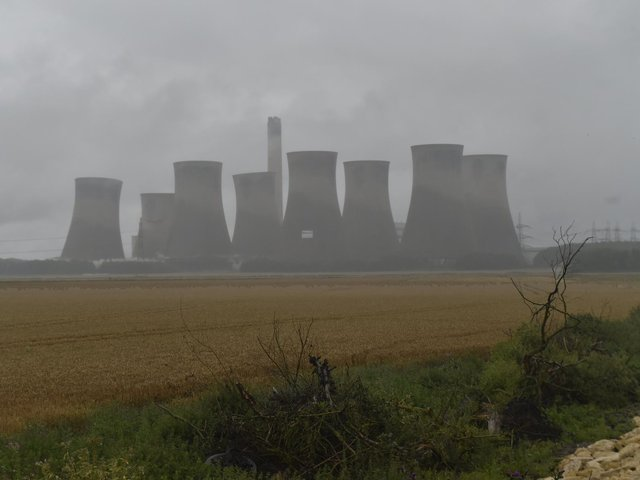 Four huge cooling towers have been demolished at the former Eggborough power station in North Yorkshire.