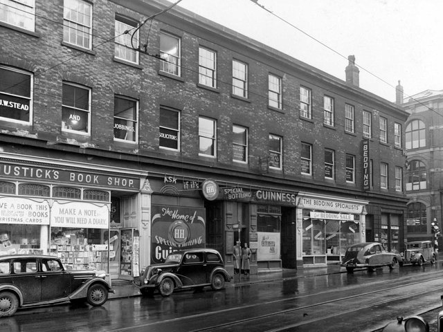 Enjoy these photo memories showcasing life in Leeds in 1952. PIC: Leeds Libraries, www.leodis.net