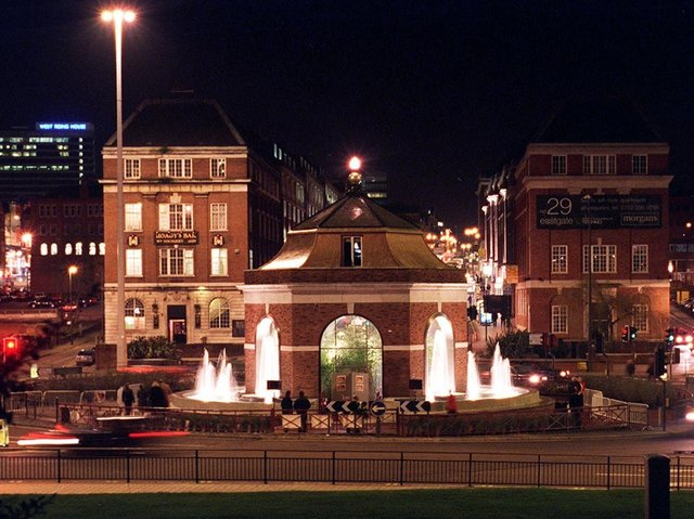 Enjoy these photo memories from Leeds in 2000. PIC: Mark Bickerdike