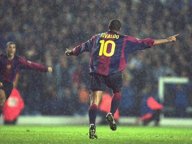 Enjoy these photo memories from Leeds United's 1-1 Champions League draw against Barcelona at Elland Road in October 2000. PIC: Getty