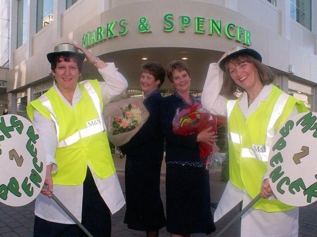 Enjoy these photo memories of Leeds in October 1998. PIC: Dan Oxtoby