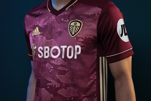 That S Beautiful It S Just Not Leeds United Fans Divided As Whites Launch New Adidas Third Kit Yorkshire Evening Post