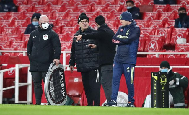 Marcelo Bielsa, Manager of Leeds United interacts with Mikel Arteta, Manager of Arsenal. (Photo by Julian Finney/Getty Images)