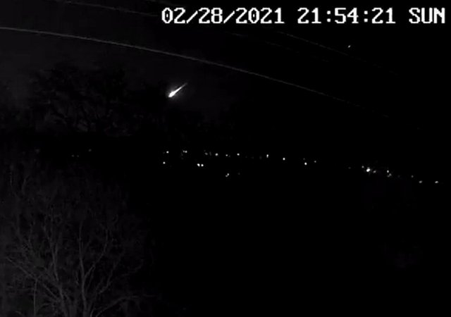 The fireball lit up the skies over the UK on Sunday night (PA Media/@JillHemingway)