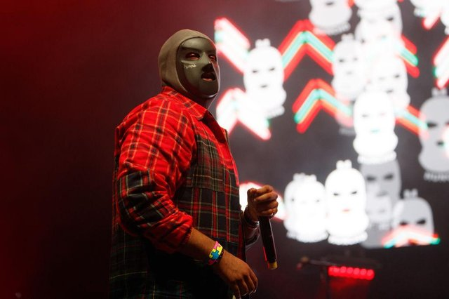 M Huncho wearing his iconic mask (Getty Images)